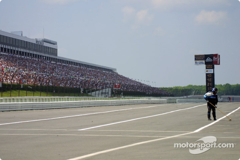Longest front stretch in the United States