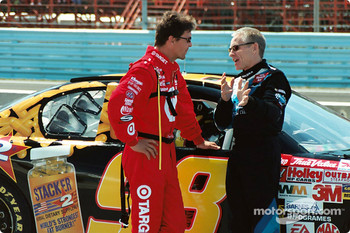 Scott Pruett and Mark Martin chat prior to start