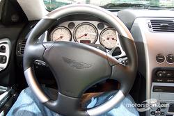 Aston-Martin V12 Vanquish steering wheel