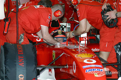 Rubens Barrichello gets ready for his run