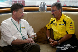 Eddie Jordan with Ford's Martin Leach