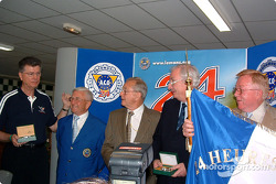 Le Mans awards ceremony: Herb Fishel, Michel Cosson, Phil Hill, Norbert Singer and Don Panoz