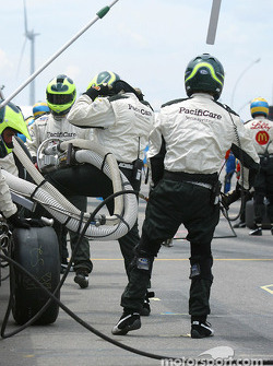 Newman-Haas team get ready for pitstop