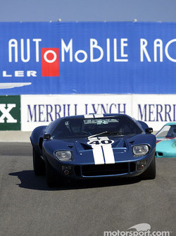 #40 1965 Ford GT-40