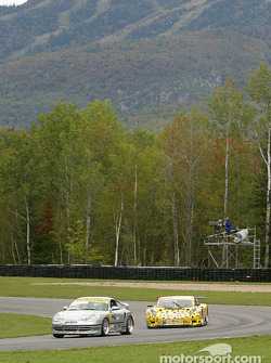 #40 Planet Earth Motorsports Porsche 911: Joe Nonnamaker, Wayne Nonnamaker, Will Nonnamaker