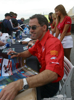 Autograph session: Alain Menu