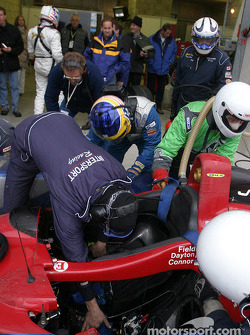 Pitstop for #18 Intersport Racing Field Lola EX257/AER: Jon Field, Duncan Dayton, Larry Connor