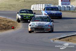 #8 Scuderia Scatera Volante: Vinnie Faraci, Steve Mulvey, Ralph Alexander, Dennis Bainbridge chased by #2 and #49