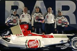 Anthony Davidson, David Richards, Jenson Button, Geoff Willis and Takuma Sato with the new BAR 006