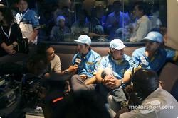 Mild Seven pit party at the Zouk Nightclub in Kuala Lumpur: Jarno Trulli, Fernando Alonso and Franck Montagny