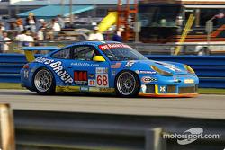 #68 The Racer's Group Porsche 911 GT3RSR: Ian Donaldson, Gregor Fisken, Piers Masarati