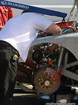 Evernham Motorsports crew member