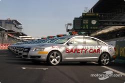 Audi safety cars on the grid