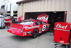 Dale Earnhardt Jr. gets ready