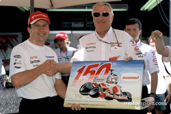 Olivier Panis celebrates 150th Grand Prix with Ove Andersson