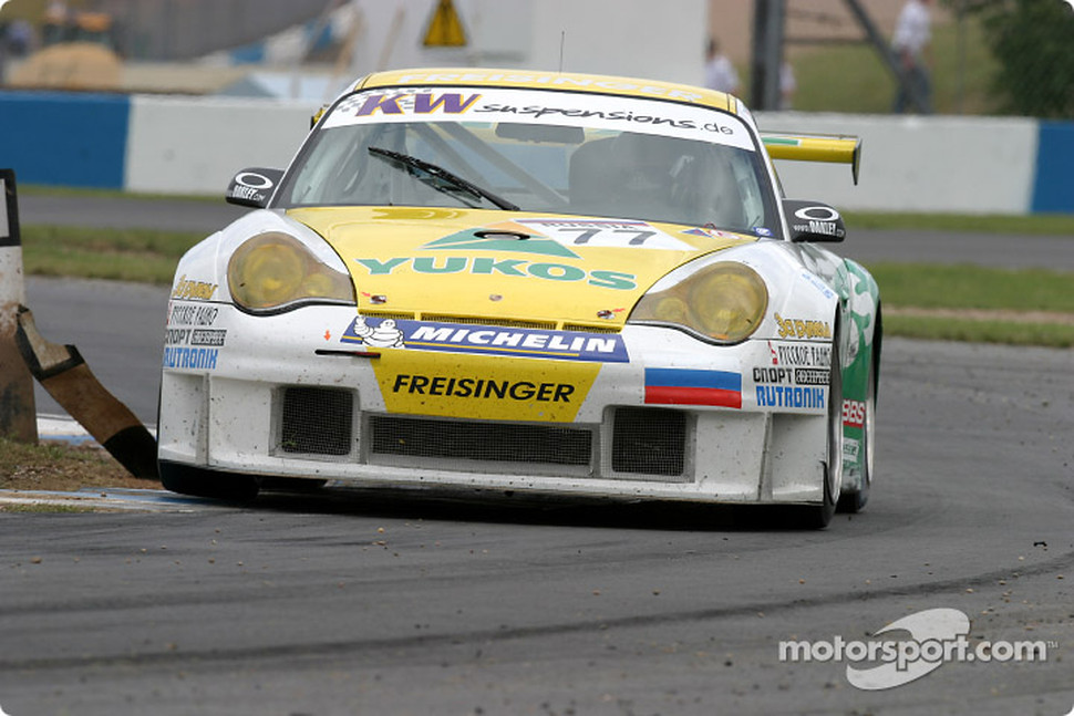 #77 Freisinger Yukos Motorsport Porsche 996 GT3 RS: Alexei Vasiliev, Nikolai Fomenko