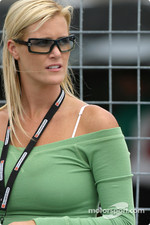 Becky Gordon, Ryan Hunter-Reay's girlfriend