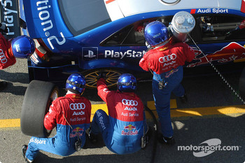 Pitstop practice for Mattias Ekstrm