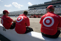 Earnhardt Ganassi Racing Chevrolet team members for Juan Pablo Montoya