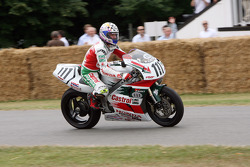 1998 Honda RC45: Aaron Slight