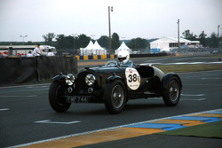 #38 Aston Martin Speed Model 1937: Paul Chase-Gardener, David Allen