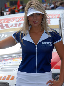 Fredy Barth's grid girl
