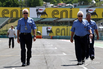 Charlie Whiting, FIA Safty delegate, Race director & offical starter, Herbie Blash, FIA Observer