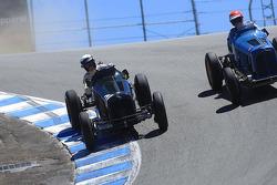 Paddins Dowling, 1934 ERA A Type, puts the race-winning move on