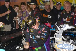 Victory lane: race winner Denny Hamlin;Joe Gibbs Racing Toyota celebrates
