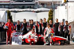 Esteban Gutierrez, Pedro Nunes, Alexander Rossi and the ART team celebrate winning the teams Championship 2010