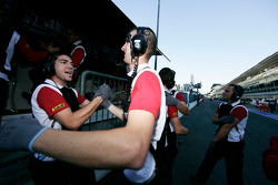 The team celebrate Esteban Gutierrez taking pole position and winning the Championship