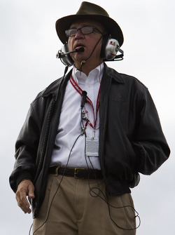 Jack Roush watches practice