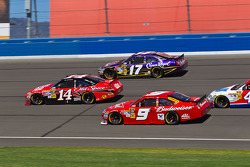 Tony Stewart, Stewart-Haas Racing Chevrolet, Matt Kenseth, Roush Fenway Racing Ford, Kasey Kahne, Richard Petty Motorsports Ford