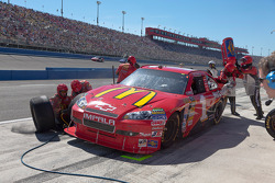 Pit stop for Jamie McMurray, Earnhardt Ganassi Racing Chevrolet