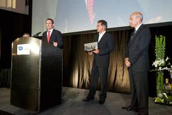Manufacturer LMGT championship to BMW Motorsport: Martin Birkmann, Dr. Mario Theissen and Scott Atherton