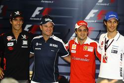 Lucas di Grassi, Virgin Racing, Rubens Barrichello, Williams F1 Team, Felipe Massa, Scuderia Ferrari and Bruno Senna, Hispania Racing F1 Team
