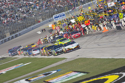 The field enters pit road