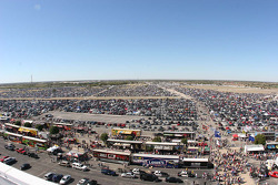 Parking lot before the AAA Texas 500