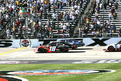 Kyle Busch and Carl Edwards take the green flag