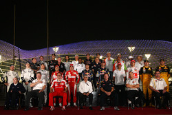 Bernie Ecclestone with the drivers and team managers