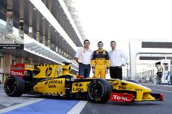 Eric Boullier, Team Principal, Renault F1 Team with Mikhail Aleshin, Renault F1 Team