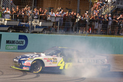 NASCAR Sprint Cup Series 2010 champion Jimmie Johnson, Hendrick Motorsports Chevrolet celebrates