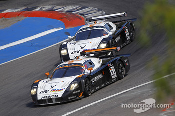 #33 Triple H Team Hegersport Maserati MC12: Altfrid Heger, Alex Müller and #34 Triple H Team Hegersport Maserati MC12: Nico Verdonck, Alessandro Pier Guidi