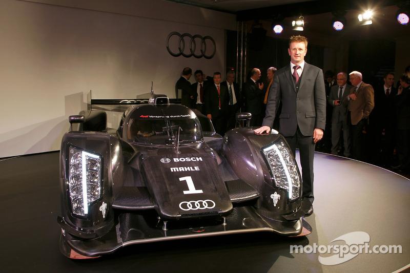 The 2011 Audi R18 TDI with Allan McNish