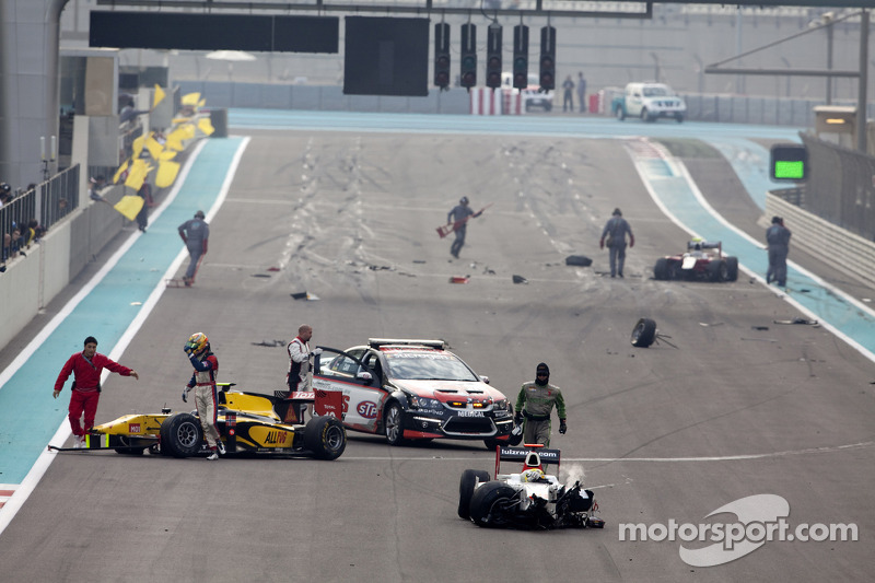 Pal Varhaug and Luiz Razia involved in a start crash