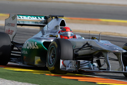 Michael Schumacher, Mercedes GP F1 Team, MGP W02, using a moveable rear wing