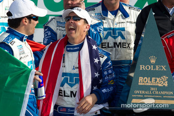 DP victory lane: class and overall winners Scott Pruett and Memo Rojas celebrate