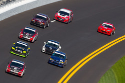 #90 HART Honda Civic SI: Mike Galati, John Schmitt leads a group of cars