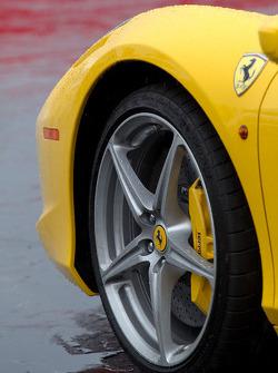 Ferrari 458 Italia wheel