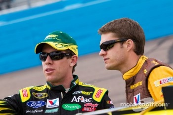 Carl Edwards, Roush Fenway Racing Ford and David Ragan, Roush Fenway Racing Ford